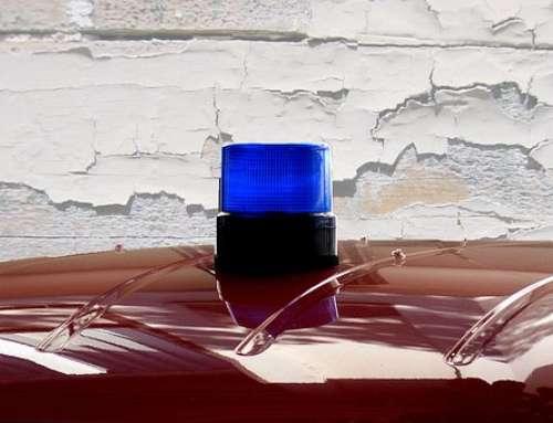 Il Pubblico Ufficiale che consenta ad un terzo l'utilizzo del lampeggiante blu di auto di servizio risponde di peculato d'uso: nota a Cass. Pen., Sez. VI, 23.07.2018, n. 34940.